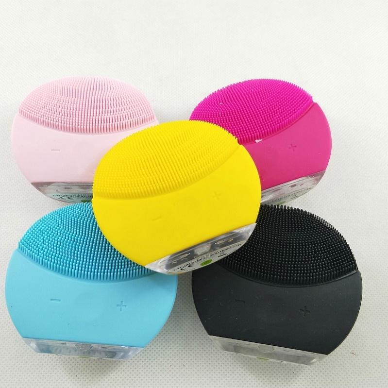 2020 Cleanser Mini Elétrica Instrumento de Beleza Ultra-sônica Silicone Limpeza Impermeável Poros Limpo Três Cores Entrega Gratuita Ferramentas de Limpeza