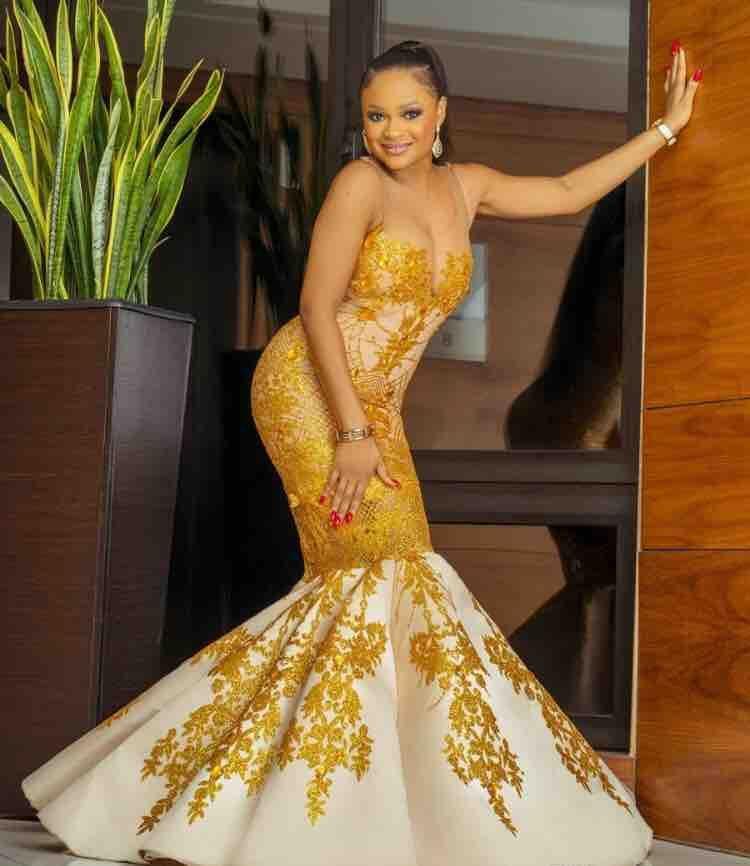Herrliche 2021 Brautkleider Goldspitze Mermaid Brautkleid Sheer Hals nach Maß Robe De Mariee Vestido De Novia