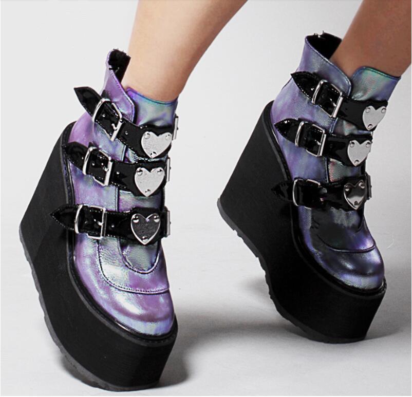 Nueva moda femenina botas de plataforma clásicas botines botines mujeres 2021 hebilla de metal zapatos de otoño mujer más tamaño 43