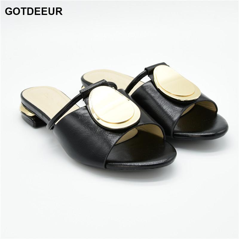 Ultimo design senza sacchetto Pump Tacchi a basso tacchi Italian Woman Wedding per partito Shoedies Pantofole da donna Sexy Donne Scarpe Sandali1