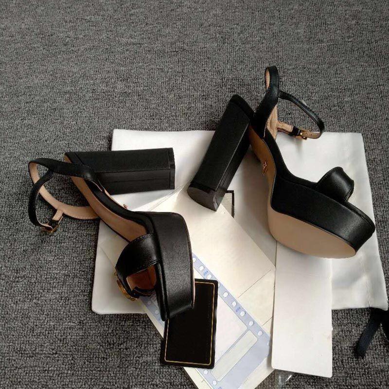 sandales d'été en dentelle fond épais femmes diseño boucle en métal femmes de mode en cuir talons hauts chaussures chaussures rouges de chaussures de mariage des femmes