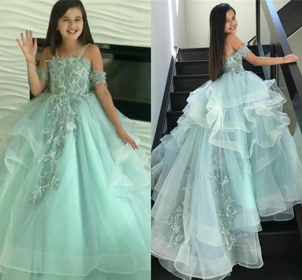 Sage принцесс Маленьких девочек Pageant Шаровых мантии 2021 шнурок Appliqued Усталость цветок девушка платье Поезд стреловидность Первого причастие платье AL7188