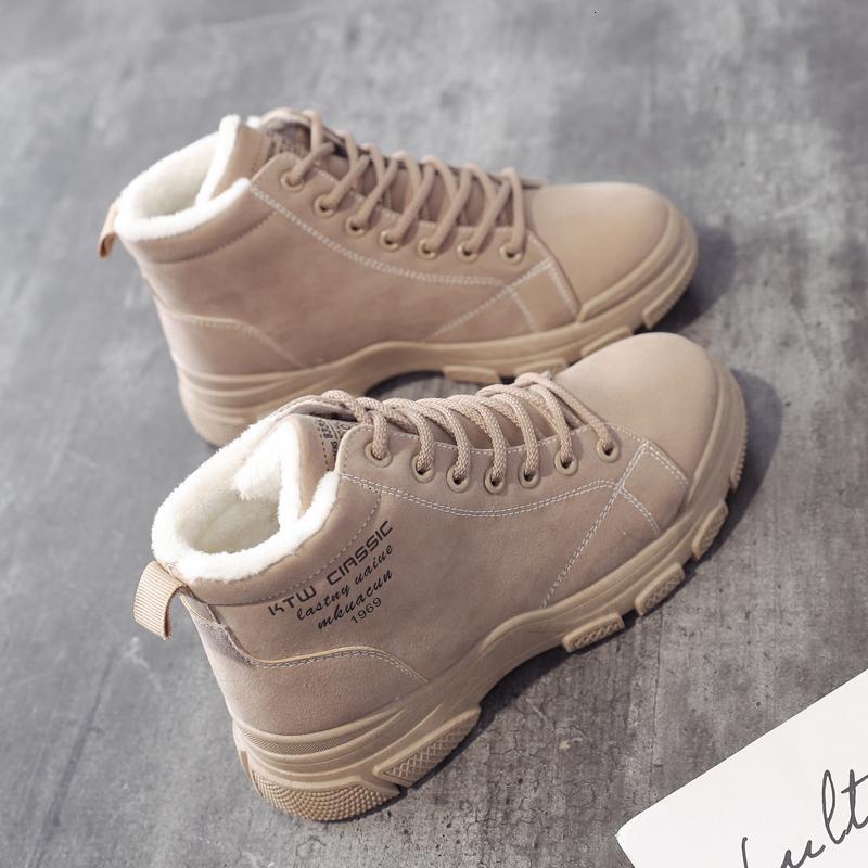 كبار الدافئة 2020 للنساء الثلوج في فصل الشتاء المرأة PU الجلود والأزياء حذاء رياضة السيدات قصيرة أحذية الكاحل أنثى الجوارب