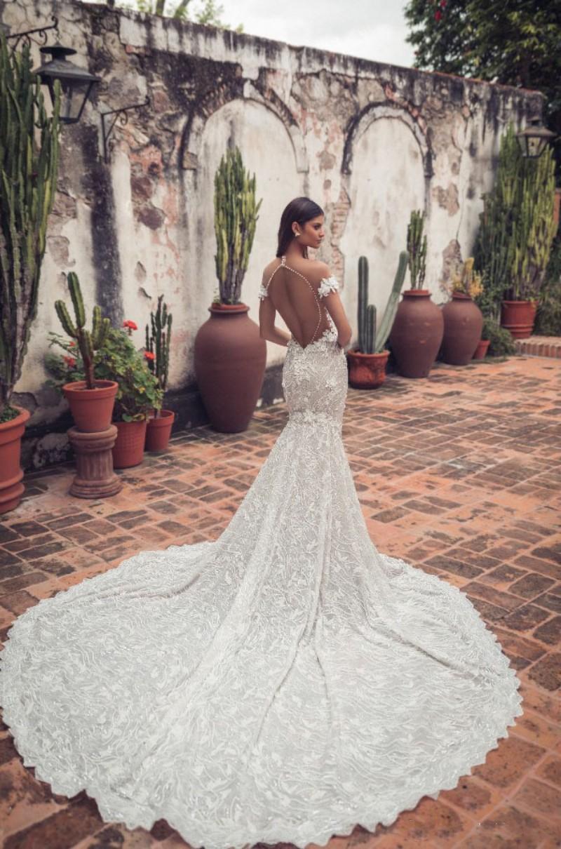 Abiti da sposa Julie Vino Mermaid fuori dalla spalla merletto di Applique Backless abito da sposa d'epoca Corte dei treni robe de mariée