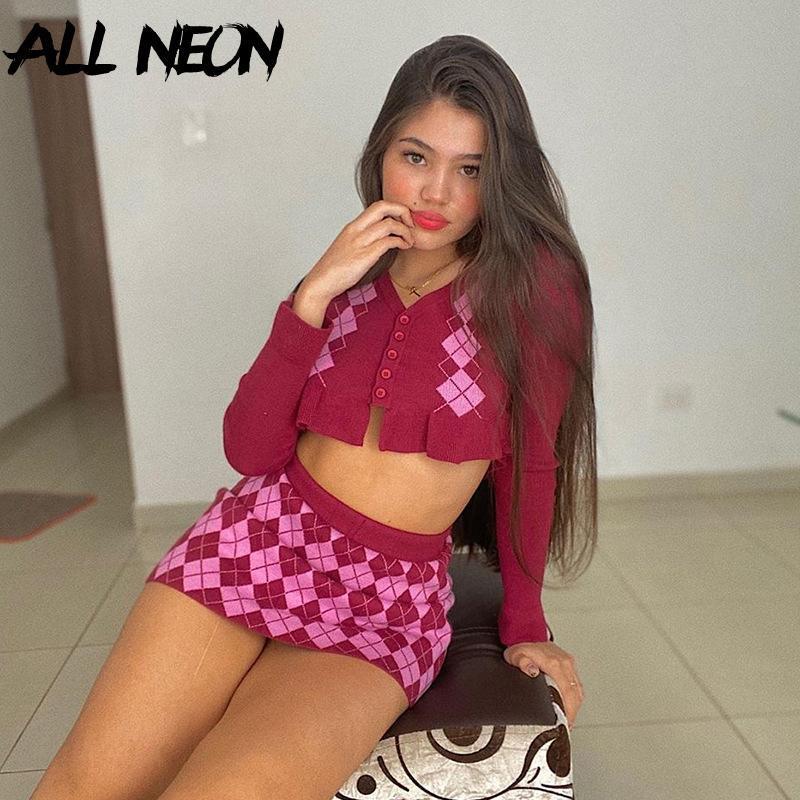여성용 Tracksuits Allneon Y2K 패션 아가일 격자 무늬 니트 co-Ord 세트 E-Girl Sweet Long Sleeve Ruffles 자르기 탑 및 미니 스커트 정장 2 Pi