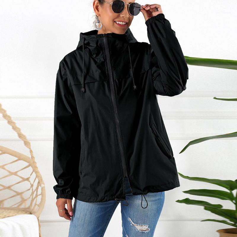 Mulheres Camping Casaco de Chuva Ao Ar Livre Plus À Prova D 'Água Casaco com capuz à prova de vento Rápido seco de escalada jaqueta anti-UV vestuário SE61