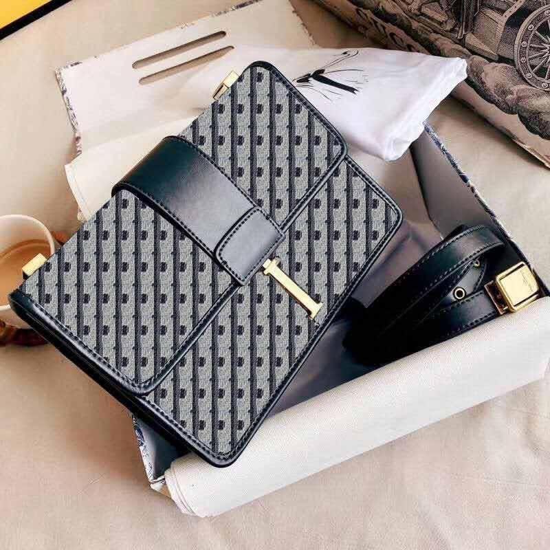 Onurlu Moda Tek Omuz Çantası Düz Crossbody Çanta Çok Yönlü Konu Çanta Kore Versiyonu Eğlence Çanta Mini Çanta 0000