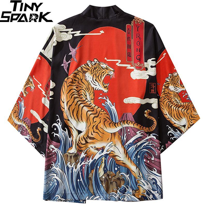 Japonais Roaring Tiger Imprimer Harajuku 2020 Hip Hop Hommes Japon Streetwear Veste d'été Vêtements mince en vrac Kimono Q1110