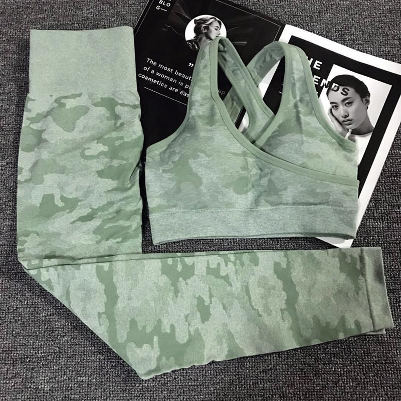 Kadın Gym Fitness Giyim Ganimet Yoga Tozluklar + Sport Sütyen GYM Spor Suit Femme İçin 2PCS Kamuflaj Kamuflaj Yoga Seti Spor Giyim