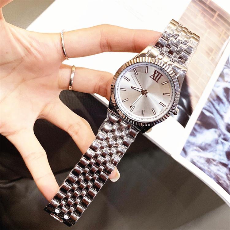 Novo Modelo Homens Relógios De Aço Inoxidável Moda Masculino Relógios de Quartzo Negócios de Pulso de Relógios de Top Quality Cavalheiro Assista Horas Japão Movimento