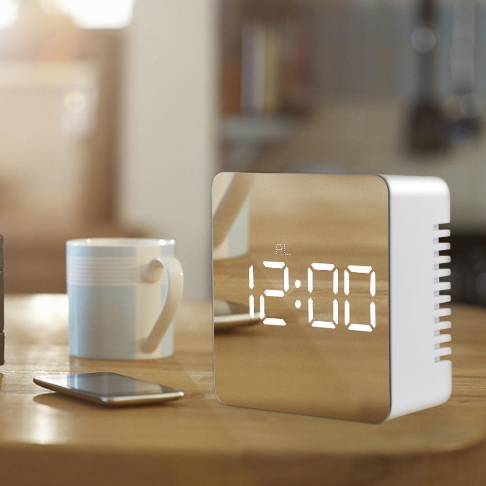 Портативный Night LED Цифровой дисплей Офис Часы Спальня Уэйдж Удар Светодиодный Светодиодный Цифровые Часы Настольный Часы Часы Reloj Sobremesa LJ201208