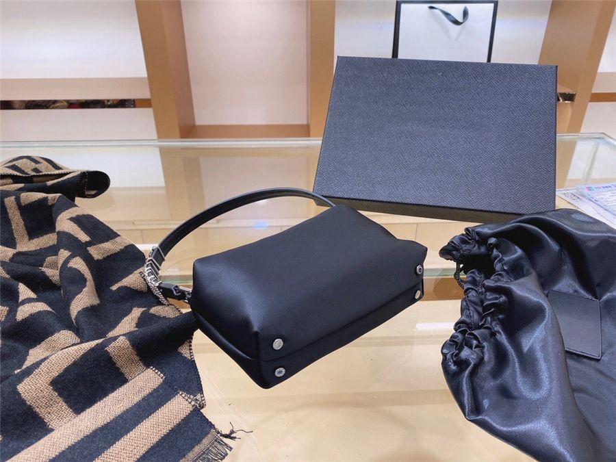 Best Quali Genuine Leather Glitter Pattern Donne HandinsSadiamond Bag European Classical Women Messenger Insdiamond Bag with Tassel Doverte # 20933111