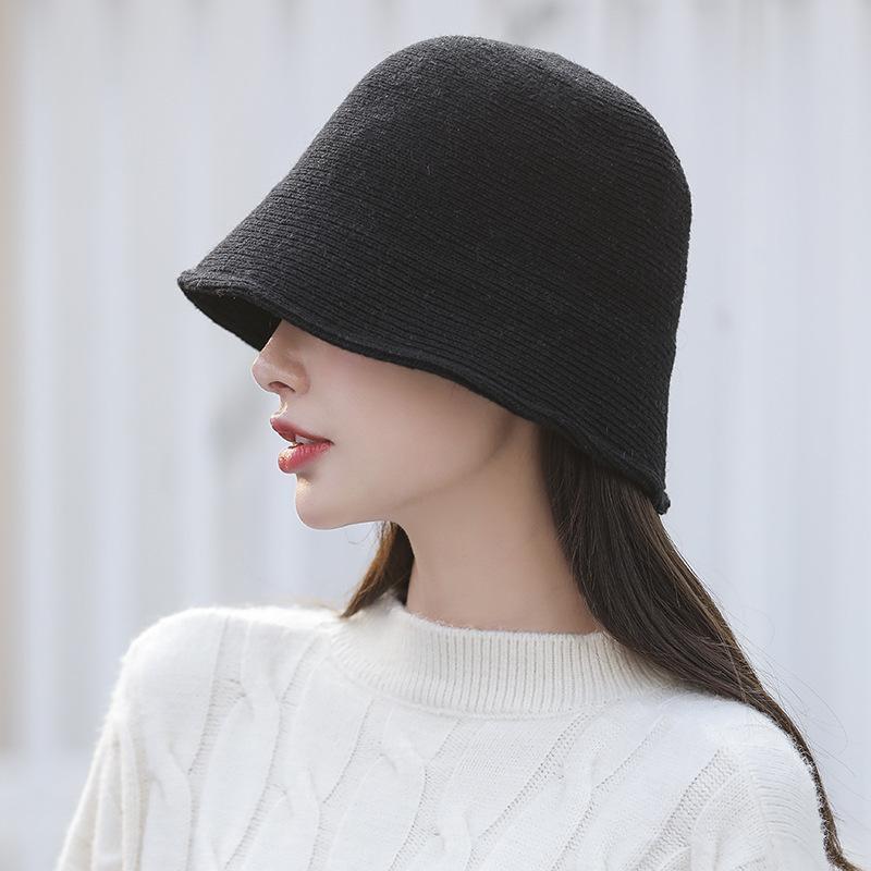 Dongdamen, Güney Kore'de kadınlar için düz örgü kova şapka