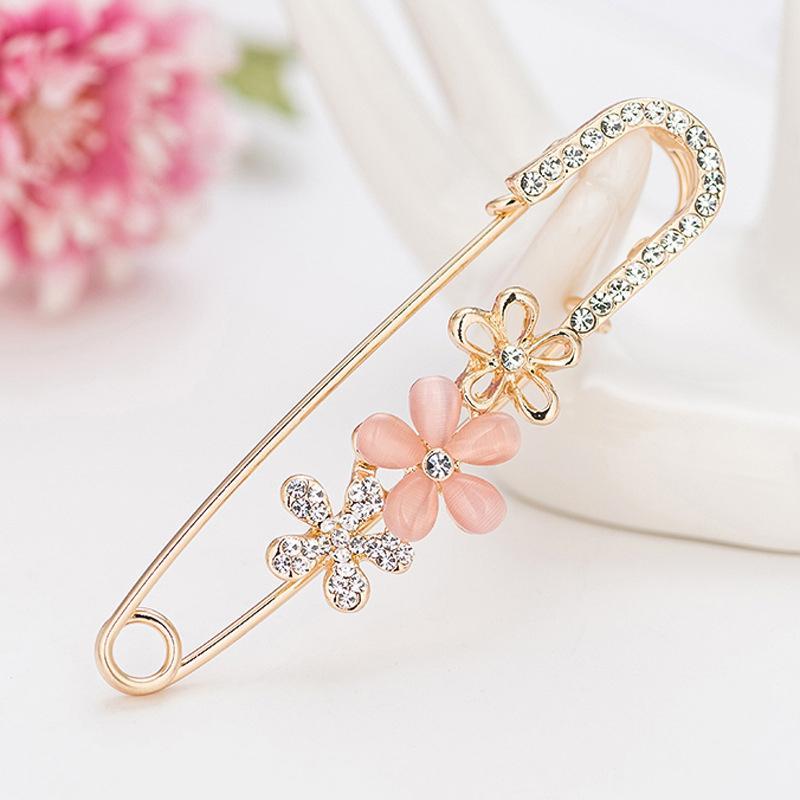 Blume Anhänger Pins Kristall Strass Brosche Für Frauen Strickjacke Schal Schnalle Clips Hut Kleidung Einfache Revers Pin Zubehör