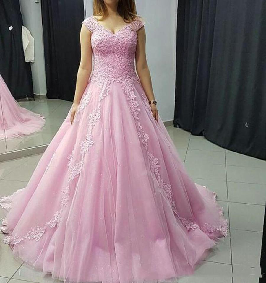 Розового Тюль Quinceanera платье блокированного V шея Vestidos De Novia Аппликация Кружево Линия Принцесса Сладкая 16 Пром Женщина невеста платье