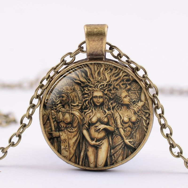 Retro triple de la luna diosa collar pentagrama Wicca árbol de la joyería de Protección Magic Amuleto collar de la vida de cristal de cadena larga