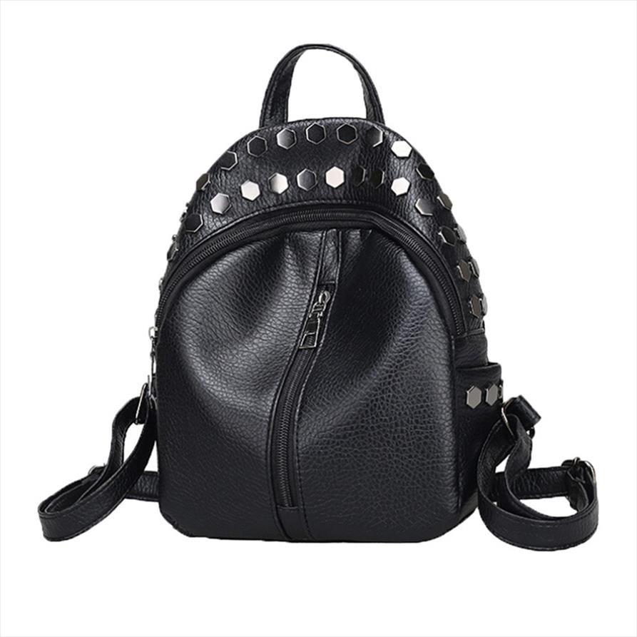 Pequeña mochila negra Mochila para niñas Mochila femenina de mujeres bolsas de mujer Rivet de la escuela Mini para adolescentes Mochilas GPuax