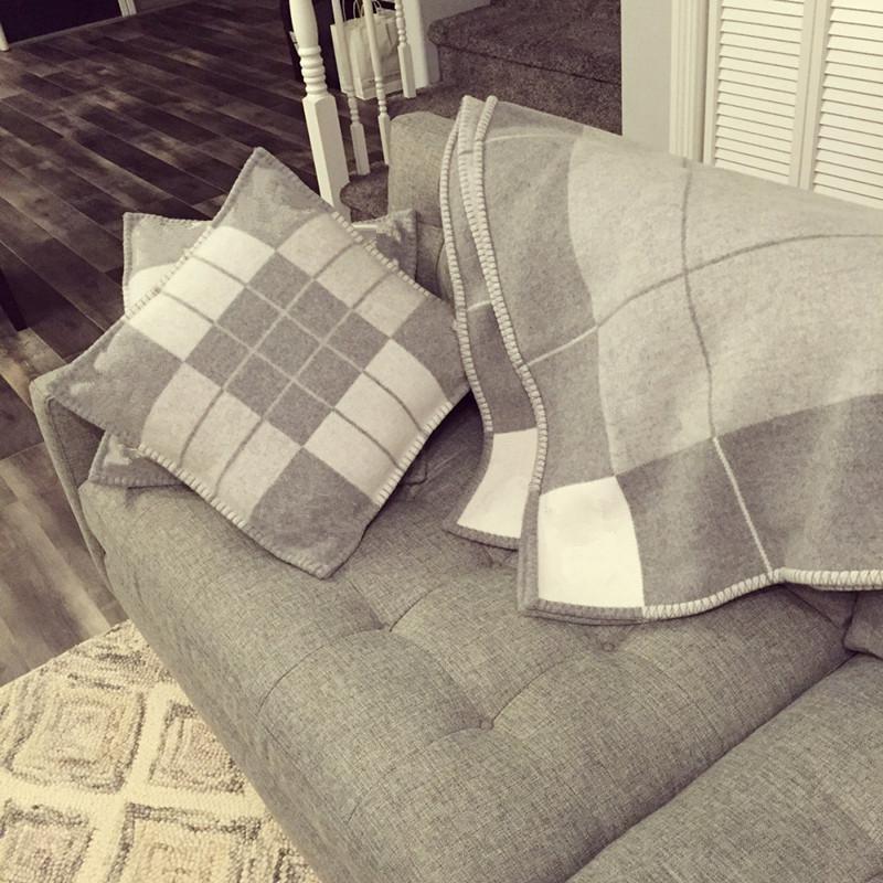 رسالة بطانية لينة الصوف وشاح شال المحمولة الدافئة منقوشة أريكة سرير الصوف الربيع الخريف المرأة رمي البطانيات
