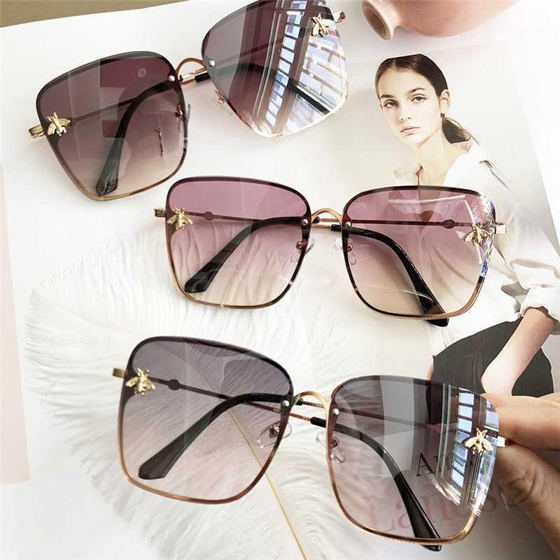 2020 Yeni Moda Bayanlar Güneş Gözlüğü UV400 Kare Metal Alaşım Çerçeve Arı Erkekler Güneş Gözlüğü Klasik Retro Marka Spor Sürüş Gözlük1