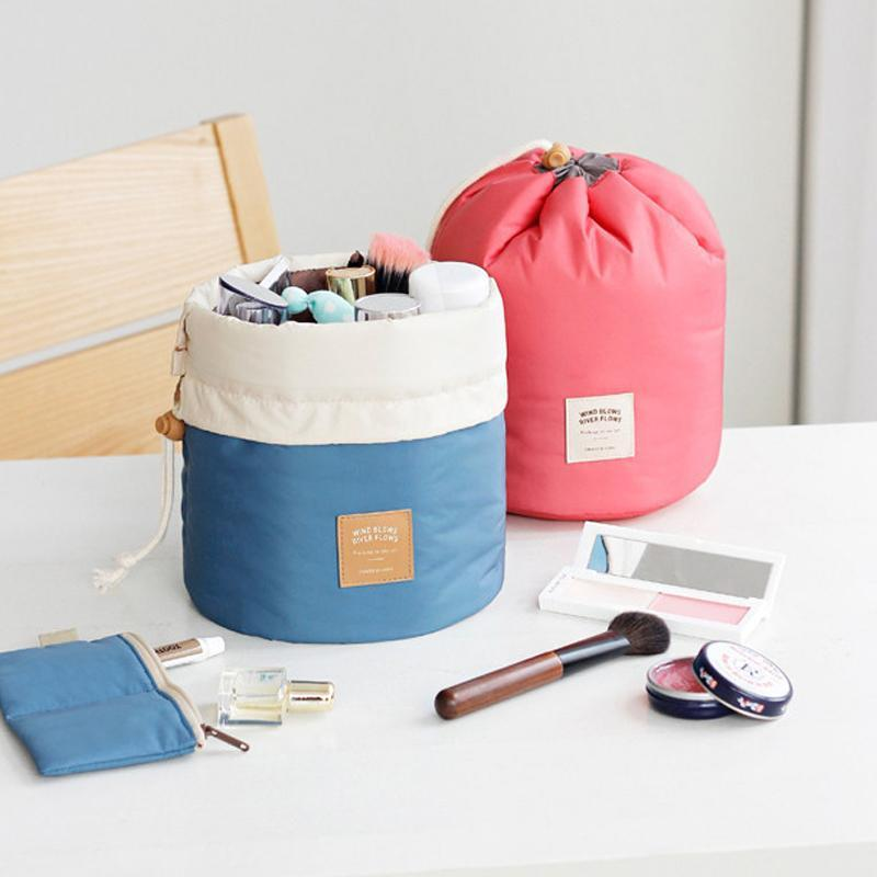Nouvelle arrivée en tonneau Sac cosmétique Voyage en nylon haute capacité coulissée élégante de lavage de tambour Sacs de maquillage Organisateur sac de rangement