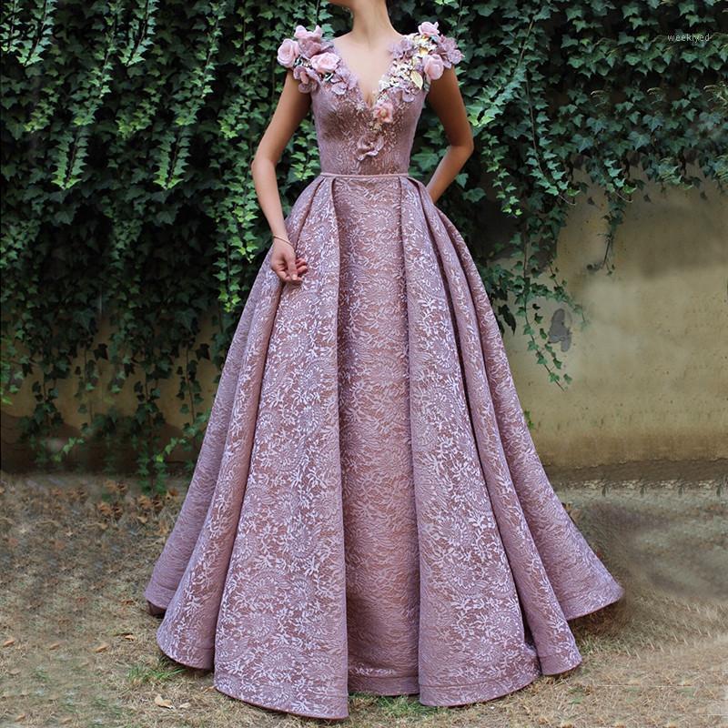Robes de soirée en dentelle en dentelle à col en V pourpre, robe de soirée sexy sirène Serene Hill LA607641