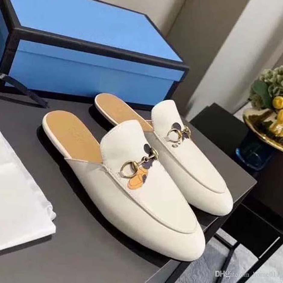 Alta Qualidade Homens Mulheres Verão Sandálias De Borracha Slide Slide Fashion Scuffs Chinelos Interior Sapatos Tamanho EUR 35-45 Com Caixa 07