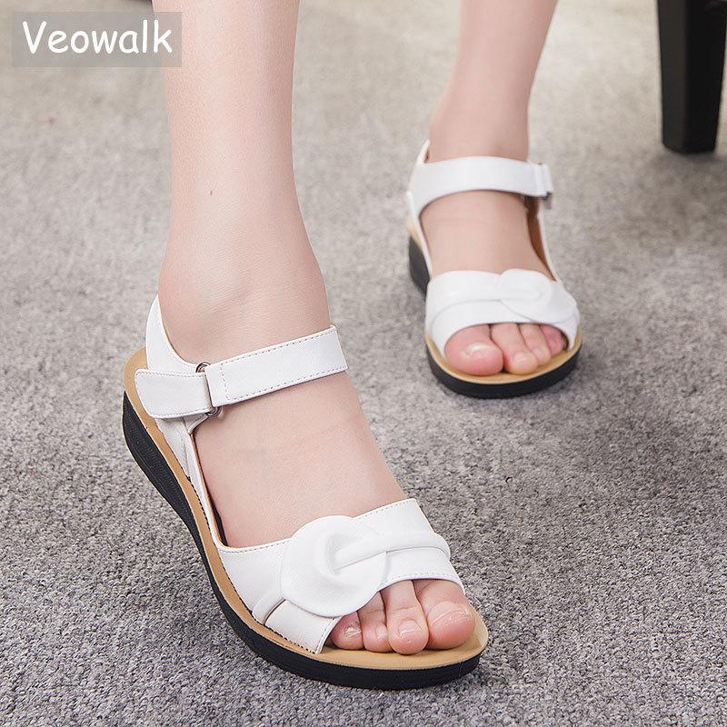 Большой размер 35-41 лета женщин сандалии из натуральной кожи в стиле ретро дамы плоский Sandials лодыжки ремень Мода Повседневная платформы Мягкие ботинки 0928
