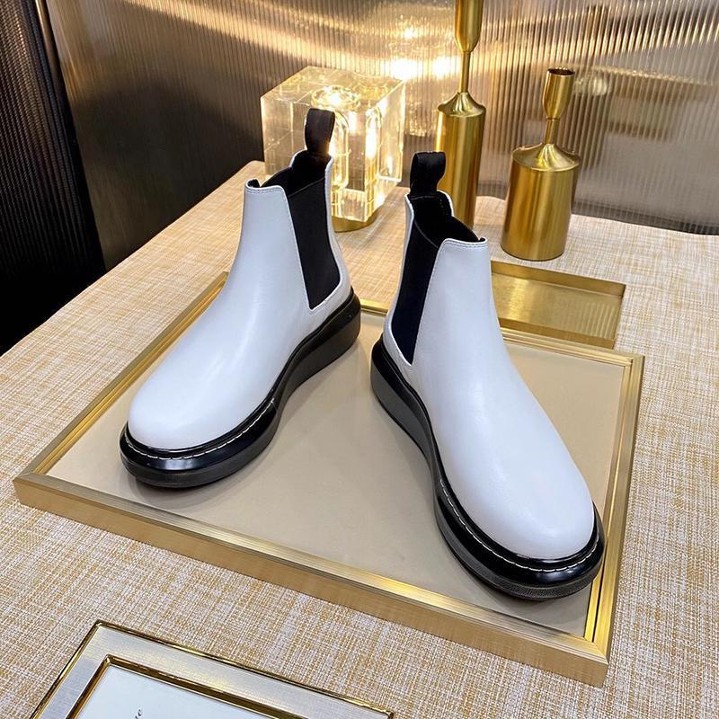 Inferiores gruesas y botas de tacón grueso chessy 2020 nuevas botas de cuero de la motocicleta de varios color decorativo dedo gordo del pie botas elásticas con la caja y la bolsa para polvo