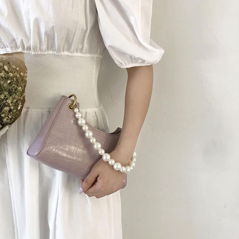 Летняя подмышечная жемчуга маленькая 2020 французская белая модная сумка меньшинство закона новая палка женская одиночная сумка для плеч C1114 MMxFL