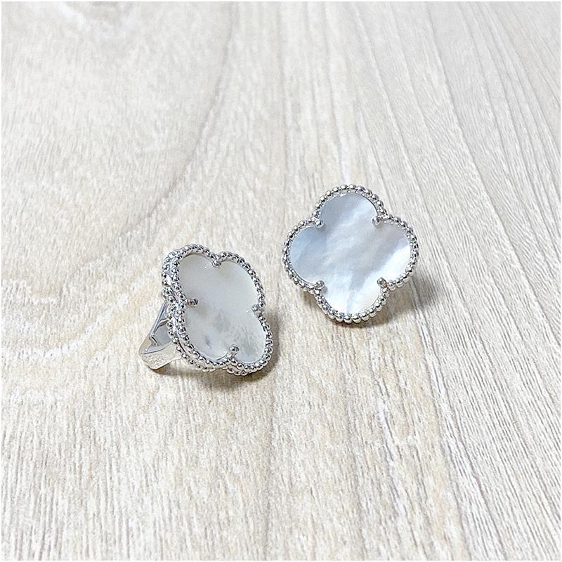 Moda Dört Yapraklı Yonca Saplama Küpe Gümüş Titanyum Paslanmaz Çelik Saplama Küpe Kadınlar Için Takı Ile Kutusu Ile Damga Ücretsiz Kargo