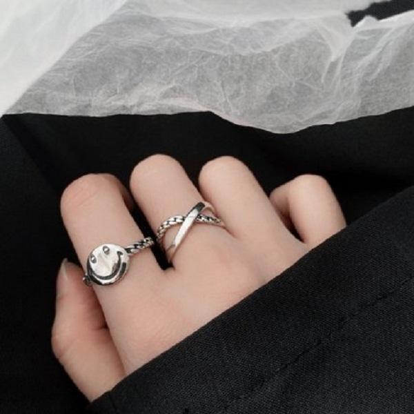2021 Güney Kore Dongdaemun Tarzı 925 Ayar Gümüş Retro Gülen Yüzük Kadın Çapraz Zincir Ins Net Kırmızı Dizin Parmak Yüzük Açılış Takı