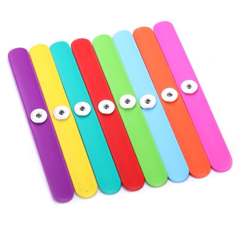 Venta al por mayor 10 colores pulsera de instantánea creativa de 18 mm pulsera de botón Ajuste Ajuste 18 mm Joyería a presión SILE AJUSTABLE Pulsera de metal Q SQCNEF