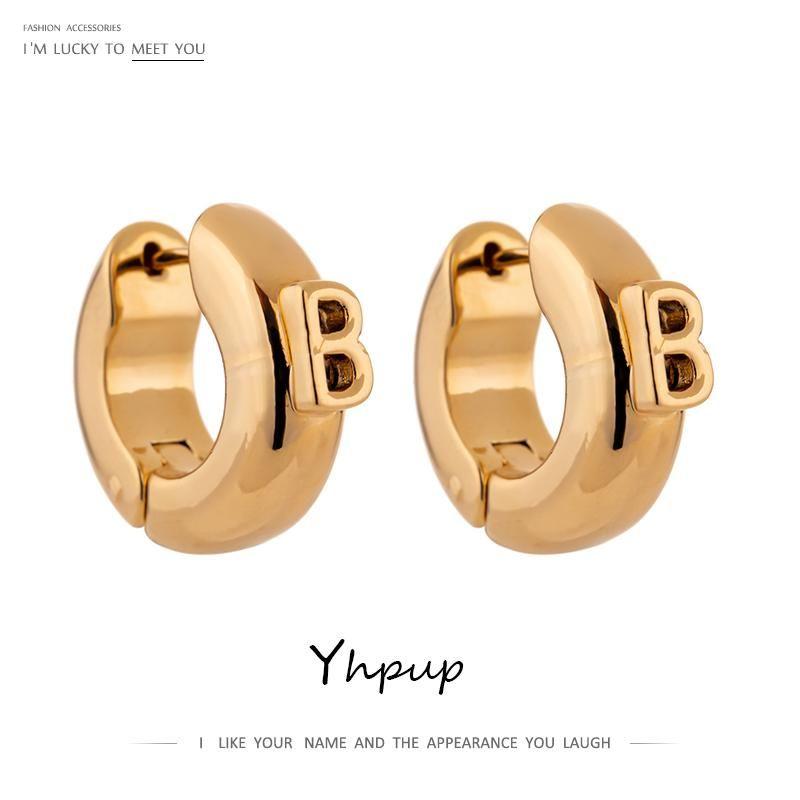 YHPUP Mode Brief Kleine B Chunky Hoop Ohrringe für Frauen Einfache Metall 14 K Kupfer Trendy Ohrringe Boucle d'Orelele Femme