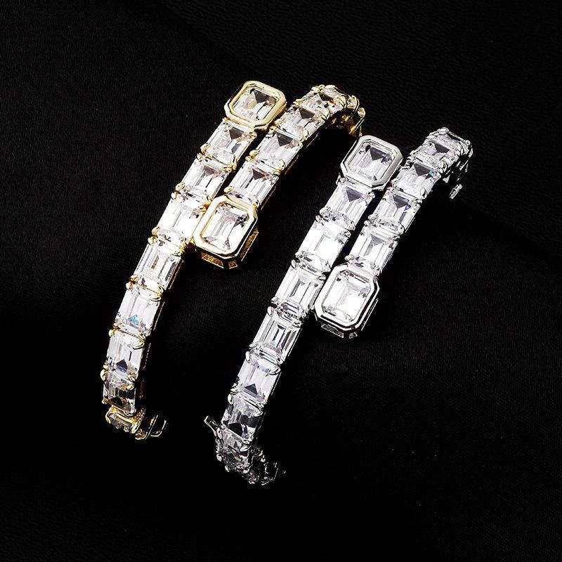 Designer de luxo mulheres de jóias pulseiras de diamantes Men pulseira para fora congelado Hip Hop encantos Moda Bangle Gold Silver Bling Acessórios Engagement