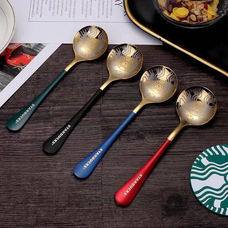 2021 Popular Starbucks 304 Acero inoxidable Leche de café Pequeño Postre redondo Mezcla Fruit Spoon Factory Supply