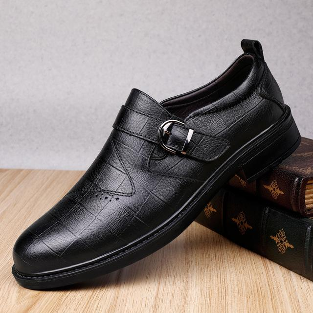 мода кроссовки из натуральной кожи для мужчин Повседневная обувь на открытом воздухе Марка Мужские Мокасины Мокасины дышащая зашнуровать платье черные туфли