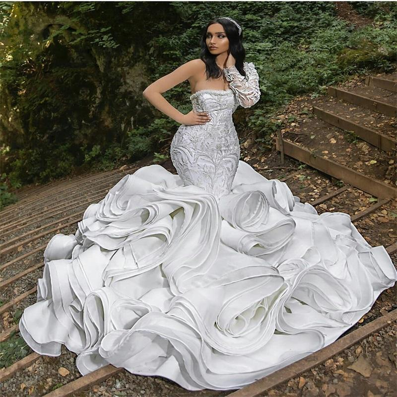 Dubai Arab Mermaid Wedding Dresses Luxury Ruffles Lace Beads Appliqued Bridal Gowns One-shoulder Sweep Train Chic Vestidos De Novia