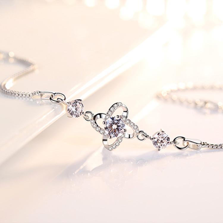 S925 Argent Rotating chanceux Sterling diamant Clover Bracelet coréenne simple Capricieux Clover Bracelet Zircon marqueté