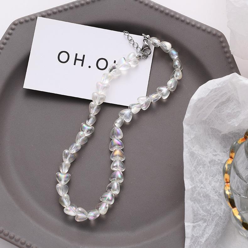 Frauen-Art- und Barock-Halskette 2020 neue elegante glänzende Acryl kreative herzförmige Anhänger Ketten Statement Schmuck Accessoires