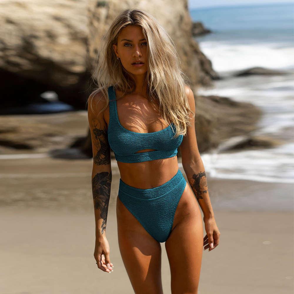 Sexy Taille haute Bikini Femmes Maillot de bain 2020 Nouvelle Arrivée Maillots de bain Hollow Out imprimé Suit de bain à rayures Beach Beachini Biquini Femme