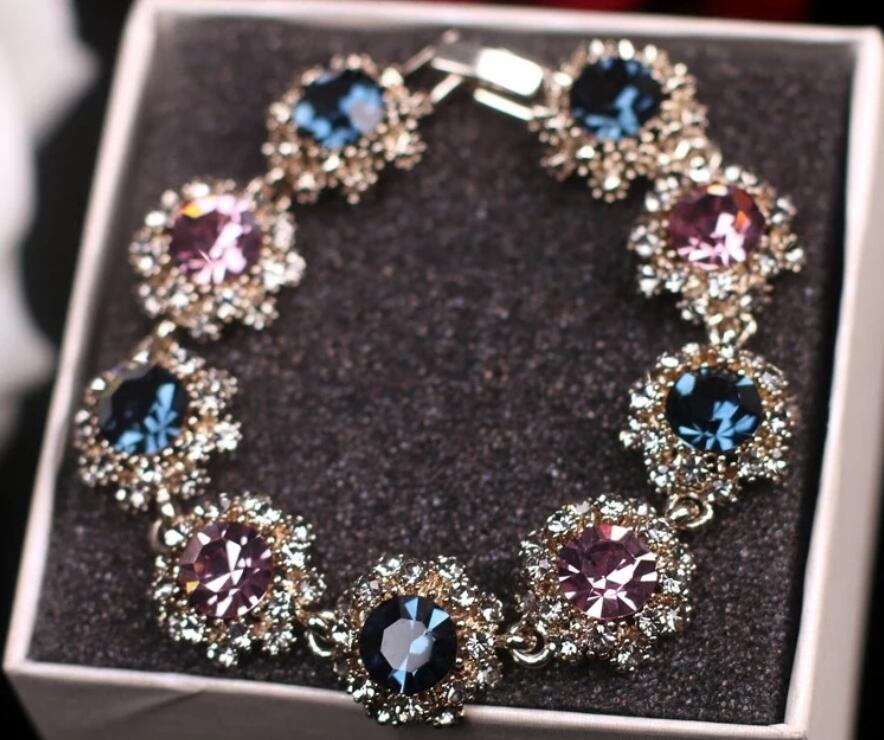 Koreanischer Superblitz-Diamant-Retro-weibliche Mode-Kristall atmosphärischer Armband Großhandel