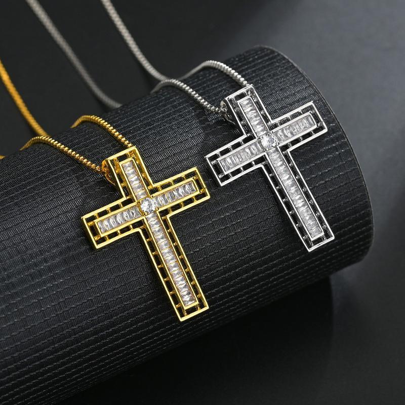 Hip Hop New Iced Out Cruz Pendant Necklace homens / mulheres Micro pavimentada CZ Ouro Cor Prata Jóias Chains presente de casamento