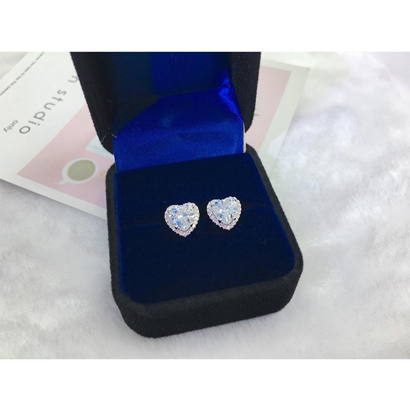 Erkek Bayan S925 Ayar Gümüş Saplama Küpe Takı Yeni Moda Simüle Elmas Kalp Tarzı Küpe Bayan Hediye Için