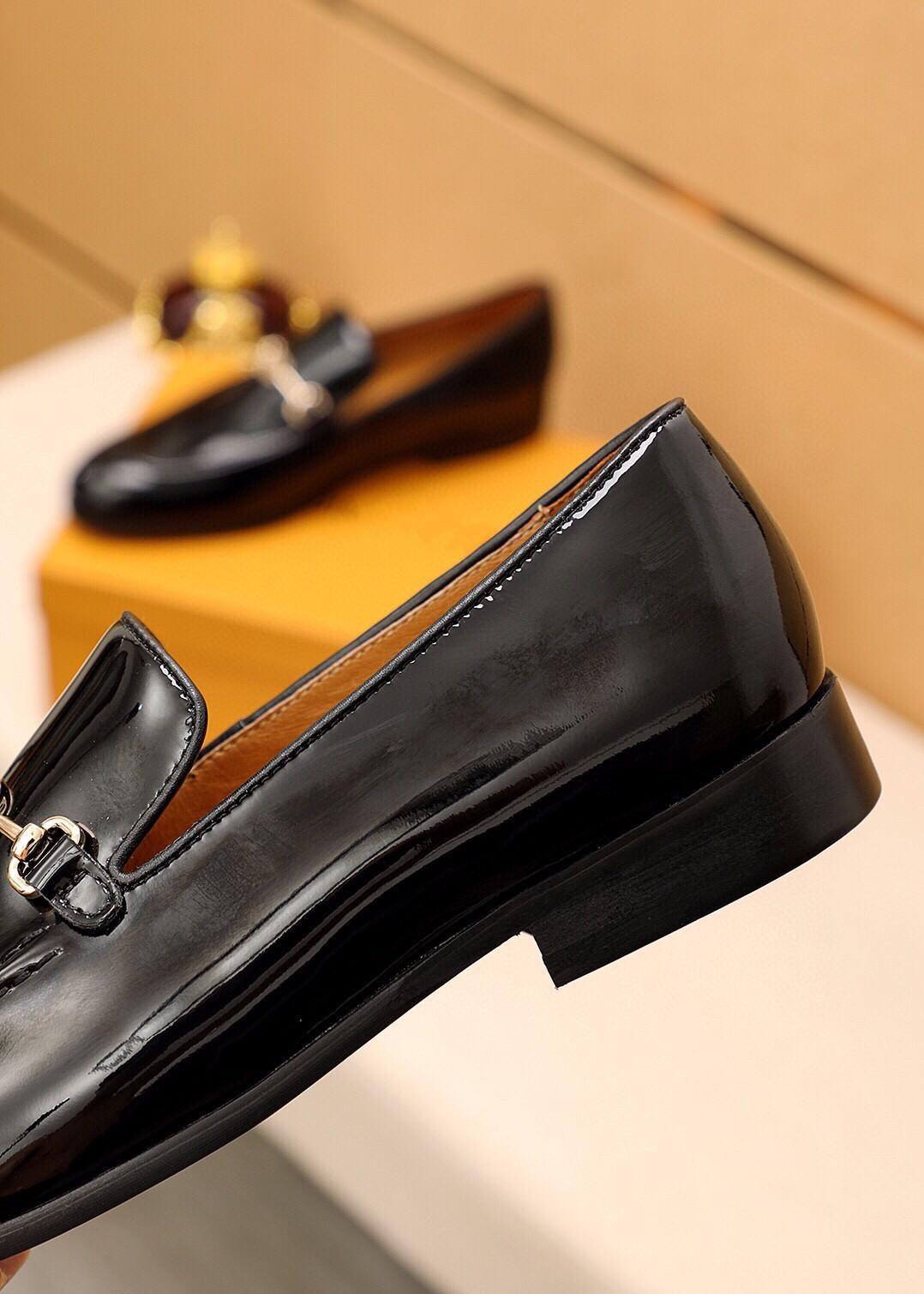 Uomini di lusso Scarpe in vera pelle d'affari Abito da uomo Scarpe da uomo Brand Brand Bullock Genuine Pelle Nero Lacci da uomo Scarpe da uomo 2020 Primavera