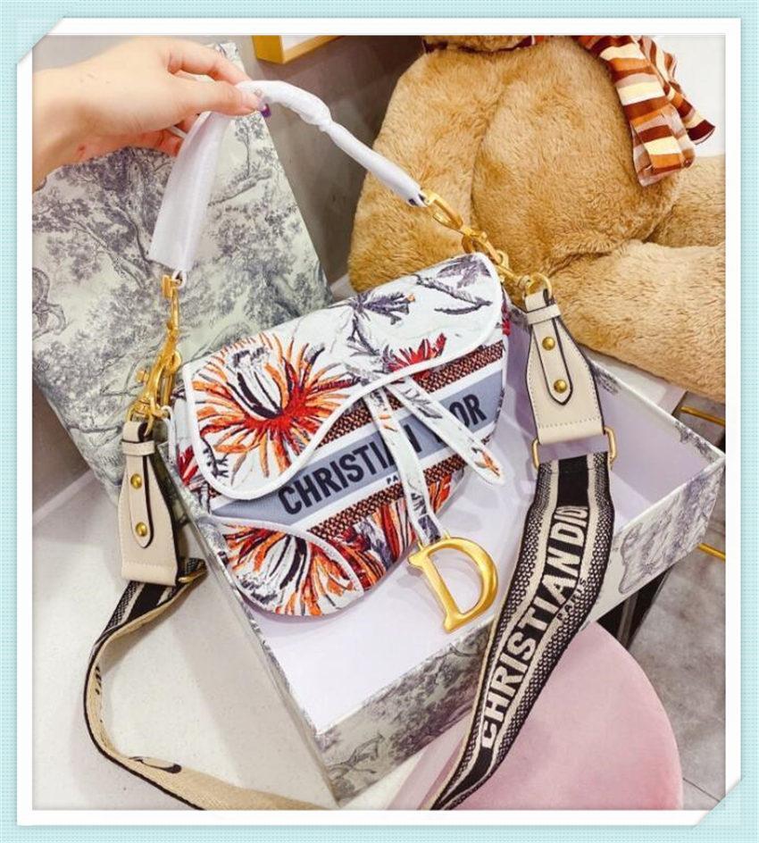 Cheap Fashion Saddle Bags Luxury Handbags Womens Bag Designer Ladies Shoulder Handbag Evening Totes Bag Wholesale Famous Brands Geometric
