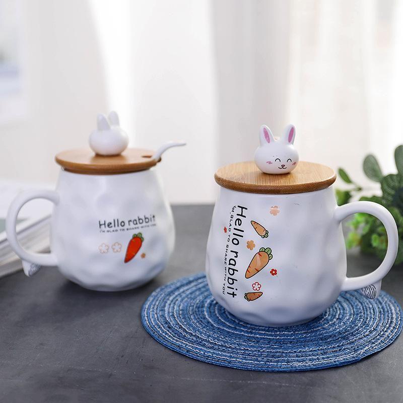 Nouvelle céramique Cartoon Cup Home Office Petit déjeuner Coupe du café au lait avec une cuillère couverture Étudiant Couple cadeau d'anniversaire