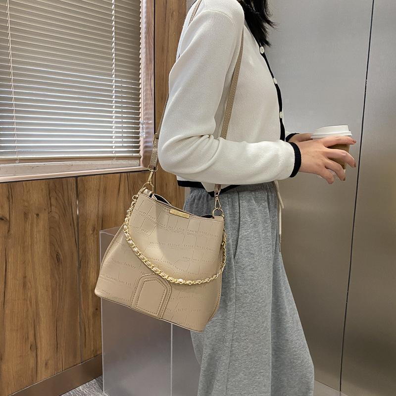 Повседневный мини сумка женщин Мешок 2020 Популярные Новые моды плеча подмышек плеча Sling ковша