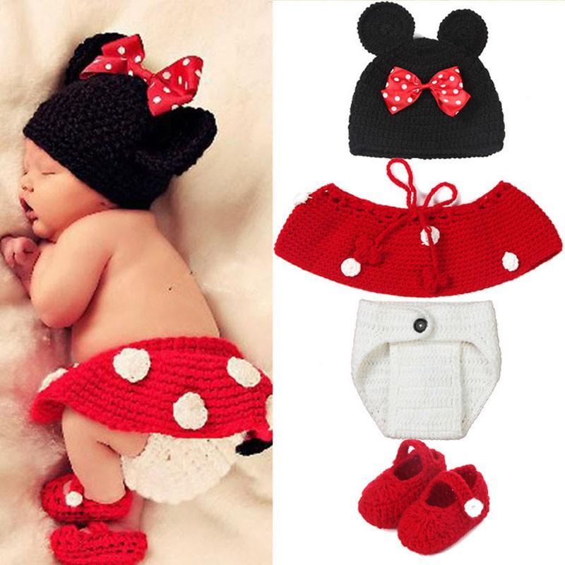 4pcs / set sombrero pantalones cortos y calcetines diseño fotos de fotos recién nacidos bebés niñas niños crochet tejido traje fotografía accesorios propios