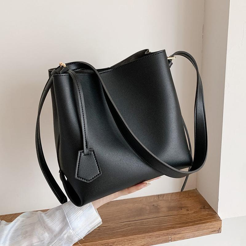 Small PU Leather Bucket Bags For Women 2021 Winter Solid Color Shoulder Handbags Female Travel Lady Fashion Branded Q1230