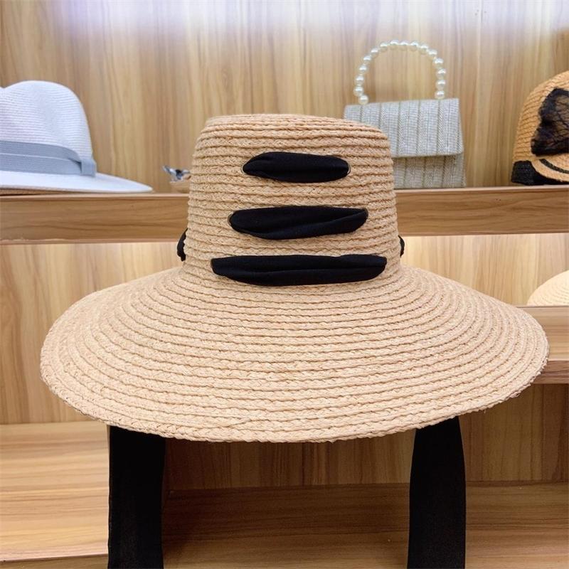 """Toptan Kadınlar Rafya Hasır Şapka 4.7 """"Büyük Geniş Brim Şerit Lace Up Yaz Şapka Disket Plaj Güneş Şapka Cap Paketlenebilir Seyahat Derby Y200714"""